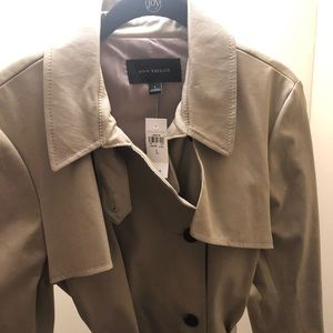 BNWT Ann Taylor trench coat Size Large